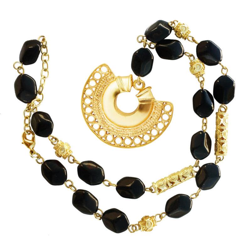 semilunar rock necklace